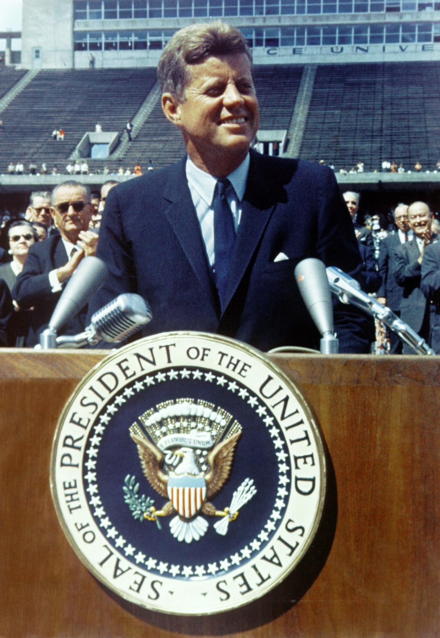 John_F._Kennedy_speaks_at_Rice_University